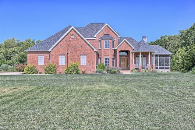 1808 E Cobble Creek Drive, Mahomet, IL 61853 (MLS #09861581) :: Littlefield Group