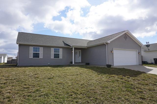 1019 Possum Trail, VILLA GROVE, IL 61956 (MLS #09861615) :: Ryan Dallas Real Estate