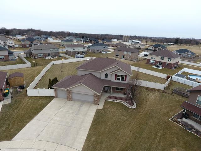 24323 Illini Court, Manhattan, IL 60442 (MLS #09861625) :: The Wexler Group at Keller Williams Preferred Realty