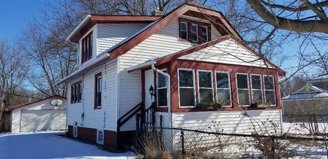 614 Newport Avenue, Rockford, IL 61102 (MLS #09861629) :: The Dena Furlow Team - Keller Williams Realty