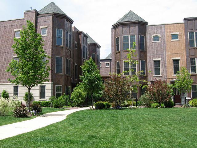 3014 W Newport Avenue, Chicago, IL 60618 (MLS #09861722) :: Domain Realty
