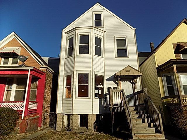 5923 S Justine Street, Chicago, IL 60636 (MLS #09862191) :: The Dena Furlow Team - Keller Williams Realty