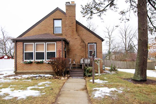 236 N Lord Avenue, Carpentersville, IL 60110 (MLS #09862387) :: The Dena Furlow Team - Keller Williams Realty