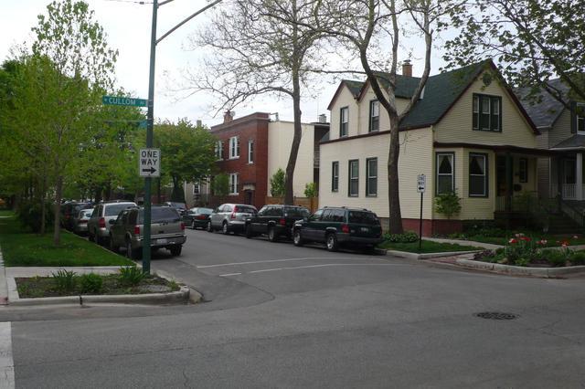 2156 W Cullom Avenue, Chicago, IL 60618 (MLS #09862629) :: Domain Realty