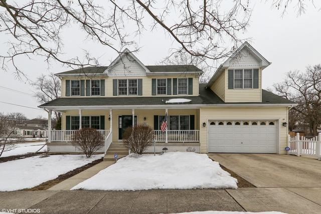 711 S Lincoln Avenue, Lombard, IL 60148 (MLS #09862707) :: Lewke Partners