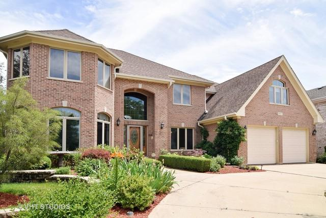 917 W Stonehedge Drive, Addison, IL 60101 (MLS #09863185) :: The Dena Furlow Team - Keller Williams Realty