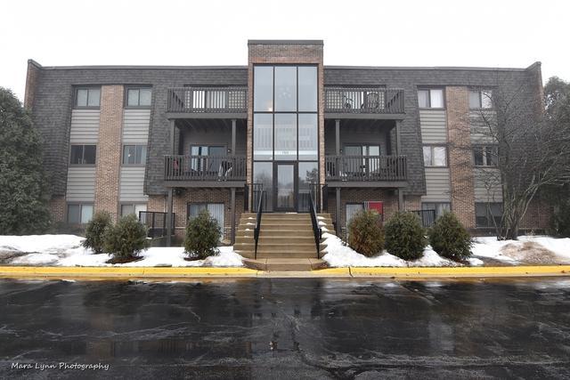 1440 Stonebridge Circle J-2, Wheaton, IL 60187 (MLS #09863514) :: The Wexler Group at Keller Williams Preferred Realty