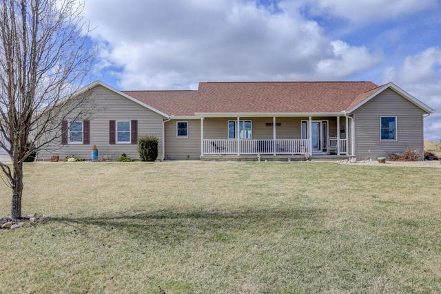 3037 CR 2300E, GIFFORD, IL 61847 (MLS #09863633) :: The Jacobs Group