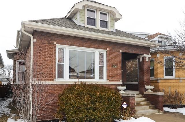 5424 W Hutchinson Street, Chicago, IL 60641 (MLS #09863666) :: The Dena Furlow Team - Keller Williams Realty