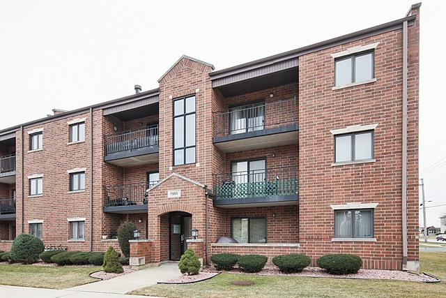 7955 W 90th Street 3B, Hickory Hills, IL 60457 (MLS #09864188) :: The Wexler Group at Keller Williams Preferred Realty