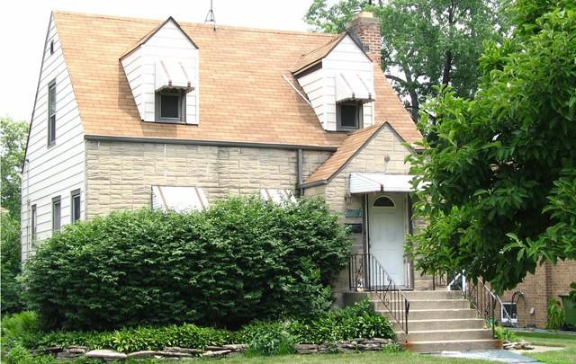 9721 S 51st Avenue, Oak Lawn, IL 60453 (MLS #09864293) :: The Wexler Group at Keller Williams Preferred Realty
