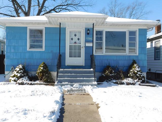17940 Henry Street, Lansing, IL 60438 (MLS #09864630) :: The Dena Furlow Team - Keller Williams Realty