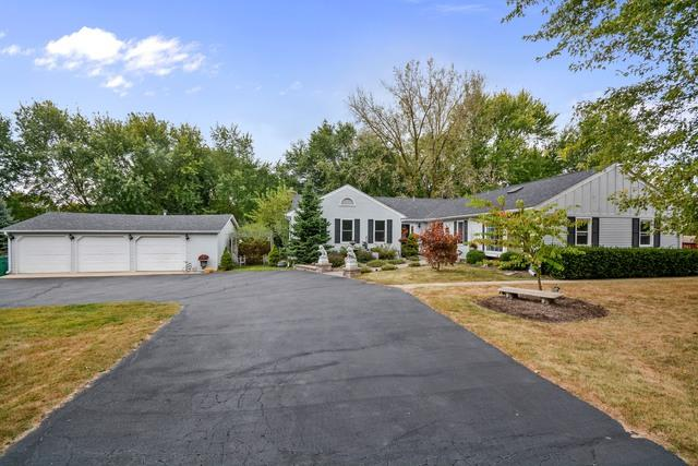 38W207 Oak Drive, St. Charles, IL 60175 (MLS #09864656) :: The Wexler Group at Keller Williams Preferred Realty