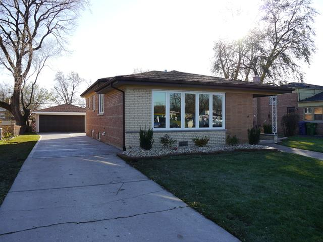 5537 W 99th Street, Oak Lawn, IL 60453 (MLS #09864777) :: Lewke Partners