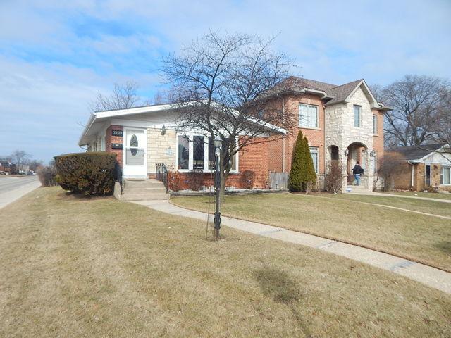 3950 Fargo Avenue, Skokie, IL 60076 (MLS #09864841) :: Lewke Partners