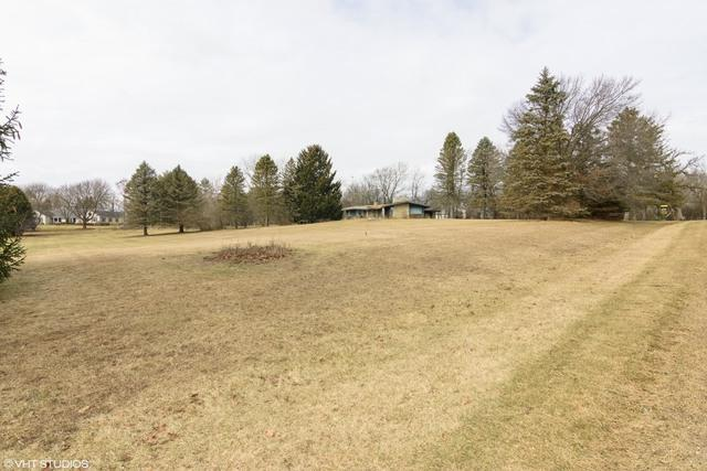 25 W Surrey Lane, Barrington Hills, IL 60010 (MLS #09865252) :: The Dena Furlow Team - Keller Williams Realty