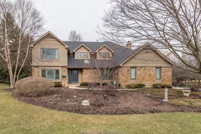35W976 Fieldcrest Drive, St. Charles, IL 60175 (MLS #09865298) :: The Wexler Group at Keller Williams Preferred Realty