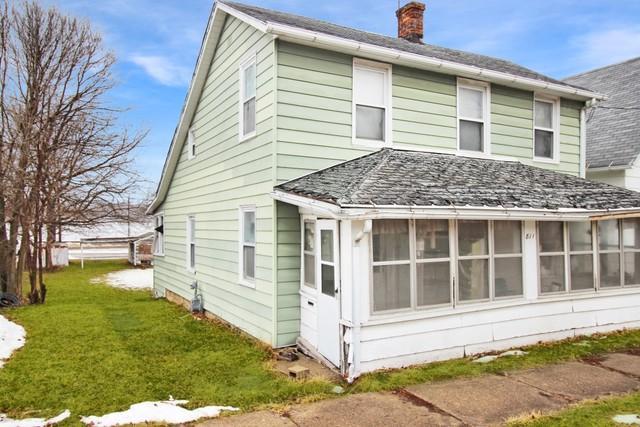 811 Main Street, Savanna, IL 61074 (MLS #09865338) :: Lewke Partners