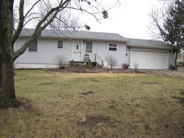 138 Choctaw Trail, Loda, IL 60948 (MLS #09865548) :: Ryan Dallas Real Estate