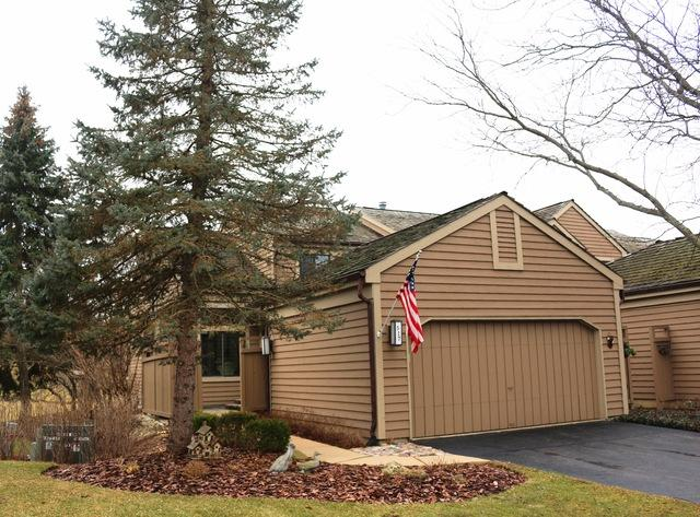517 White Oak Lane, Lake Barrington, IL 60010 (MLS #09865626) :: The Dena Furlow Team - Keller Williams Realty