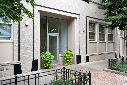 1920 N Sheffield Avenue B, Chicago, IL 60614 (MLS #09865657) :: Littlefield Group