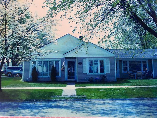 9200 S 49th Court, Oak Lawn, IL 60453 (MLS #09865728) :: Lewke Partners