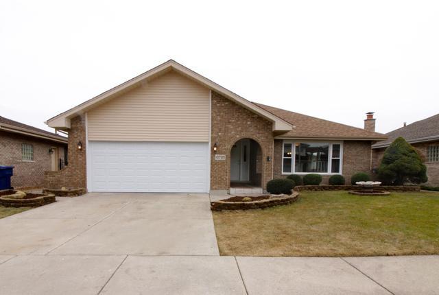 10705 Linder Avenue, Oak Lawn, IL 60453 (MLS #09865753) :: Lewke Partners
