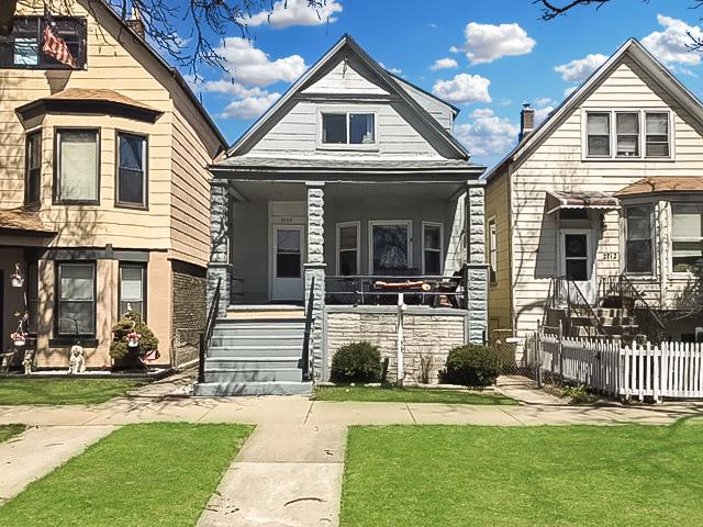 2714 W Fletcher Street, Chicago, IL 60618 (MLS #09867244) :: Lewke Partners