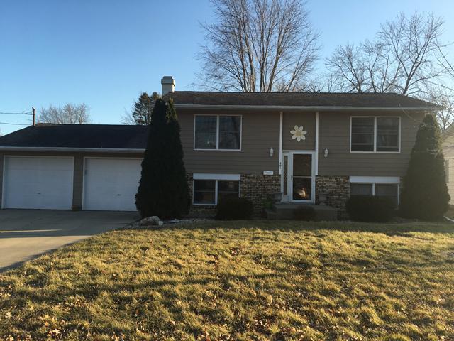 401 2nd Street, Mendota, IL 61342 (MLS #09867271) :: Domain Realty