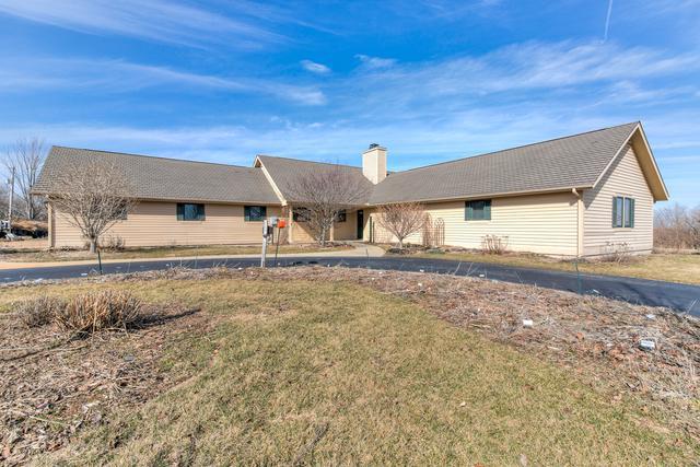 1152 E 1600 North Road, MONTICELLO, IL 61856 (MLS #09871681) :: Ryan Dallas Real Estate