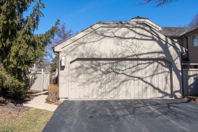62 Foxwood Lane, Lake Barrington, IL 60010 (MLS #09871693) :: Domain Realty