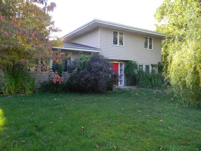 1202 N State Street, MONTICELLO, IL 61856 (MLS #09871888) :: Ryan Dallas Real Estate
