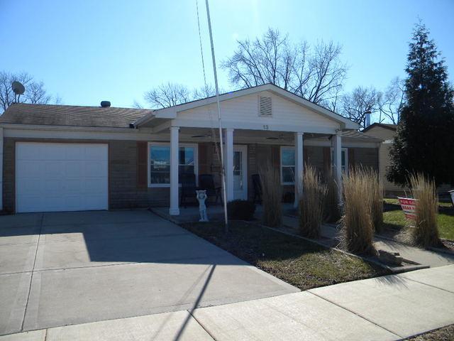 13 Arlington Drive, Romeoville, IL 60446 (MLS #09871977) :: The Jacobs Group