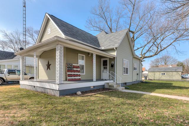 102 S Oak Street, VILLA GROVE, IL 61956 (MLS #09872581) :: Ryan Dallas Real Estate