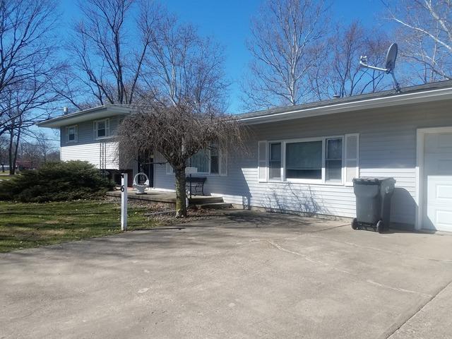 6 Park Drive, VILLA GROVE, IL 61956 (MLS #09872790) :: Ryan Dallas Real Estate