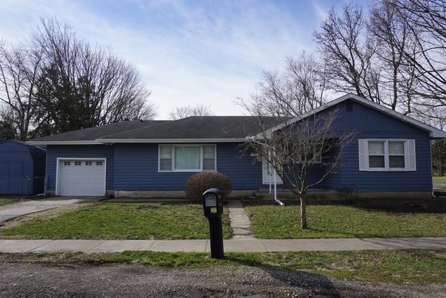 221 E Douglas Street, ST. JOSEPH, IL 61873 (MLS #09873534) :: Littlefield Group