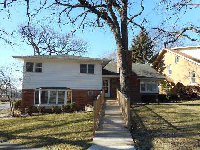 12958 Highland Avenue, Blue Island, IL 60406 (MLS #09874077) :: The Jacobs Group