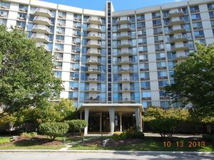 20 N Tower Road 9D, Oak Brook, IL 60523 (MLS #09874521) :: The Jacobs Group