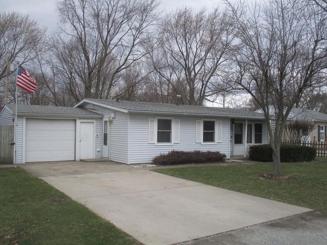 1020 Eastview Drive, Tuscola, IL 61953 (MLS #09875368) :: Ryan Dallas Real Estate