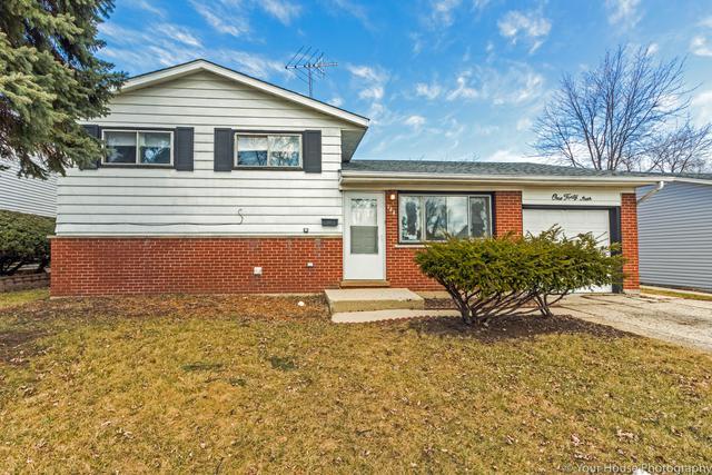 144 E Schubert Avenue, Glendale Heights, IL 60139 (MLS #09875376) :: Domain Realty