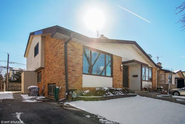 9315 Home Avenue, Des Plaines, IL 60016 (MLS #09876685) :: The Jacobs Group