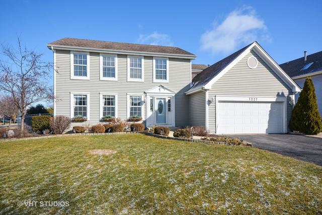 1227 Easton Drive, Carol Stream, IL 60188 (MLS #09877277) :: The Jacobs Group