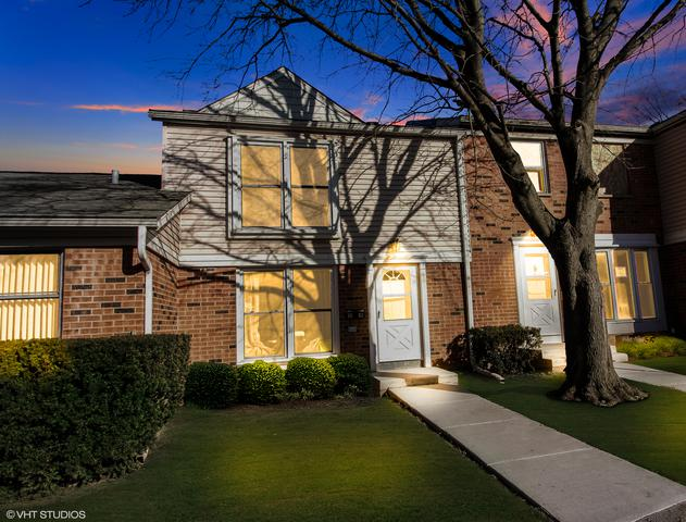 3082 Lynnwood Court, Streamwood, IL 60107 (MLS #09877370) :: The Jacobs Group