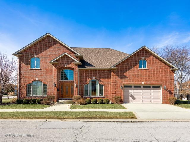 8140 W Lawrence Avenue, Norridge, IL 60706 (MLS #09877390) :: The Jacobs Group