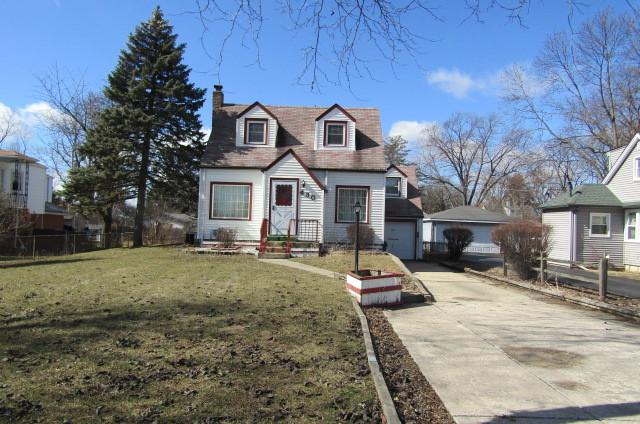 430 S Center Street, Bensenville, IL 60106 (MLS #09877596) :: The Jacobs Group