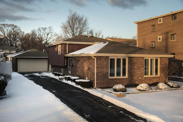 6924 W Crandall Avenue, Worth, IL 60482 (MLS #09877803) :: The Jacobs Group