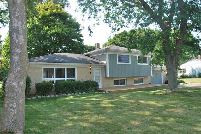 10209 William Street, Richmond, IL 60071 (MLS #09878194) :: Domain Realty