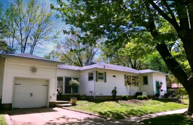 1109 W Healey Street, Champaign, IL 61821 (MLS #09878604) :: Ryan Dallas Real Estate