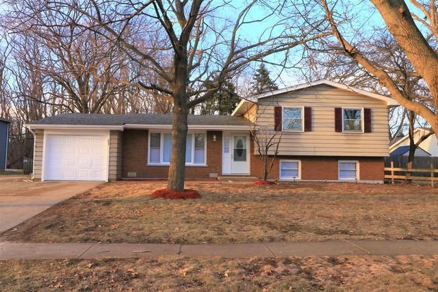 600 Green Oaks Drive, Crystal Lake, IL 60014 (MLS #09879964) :: Lewke Partners