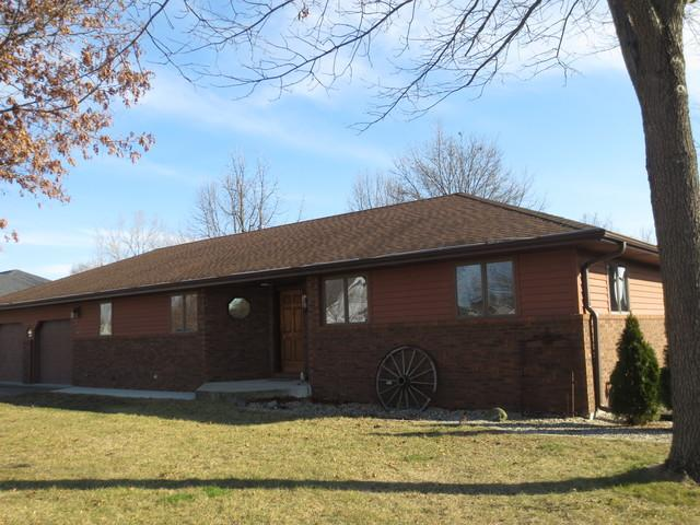 77 Glenbrook Lane, Fisher, IL 61843 (MLS #09880424) :: Ryan Dallas Real Estate